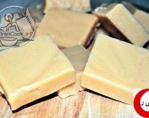 شکلات شیری لاتامارکو