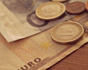 نقل و انتقالات مالی