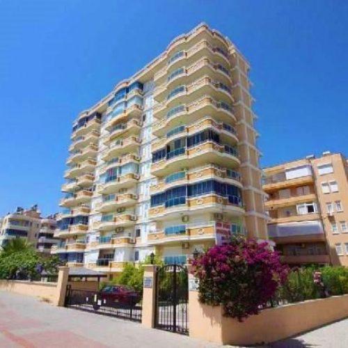 آپارتمان در خط اول پلاژ با چشم اندازی بی نظیر درآلانیا, ترکیه