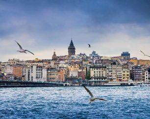 استخدام آرایشگر خانم در استانبول به تعداد ۶ نفر