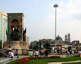 واگذاری رستوران  در قلب تکسیم خیابان استقلال استانبول
