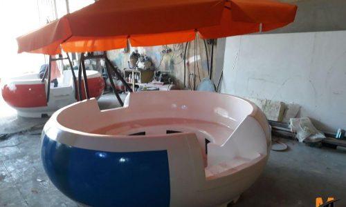 قایق موتوری تفریحی